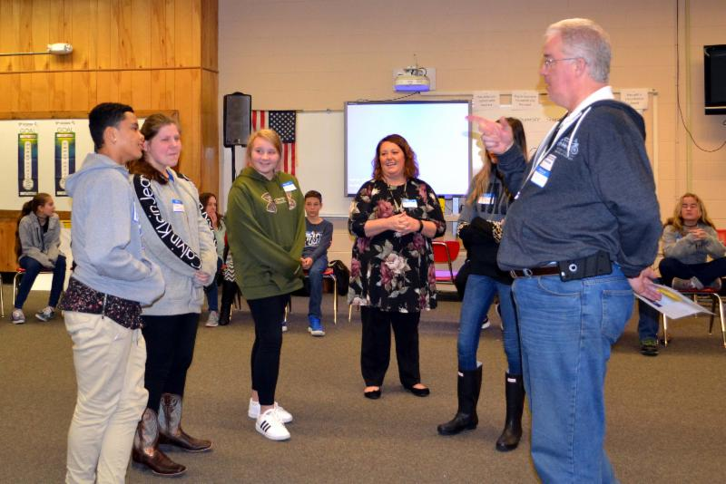 KDE trainer leads group activity at South Hopkins MIddle School