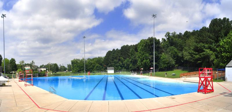 Oak Ridge Outdoor Pool.jpg
