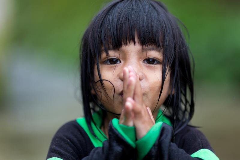 asian_girl_praying.jpg