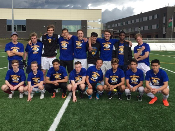 Members of the Tahoma Bears boys soccer team