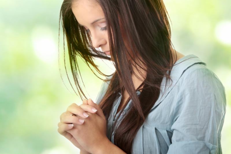 young_woman_praying.jpg