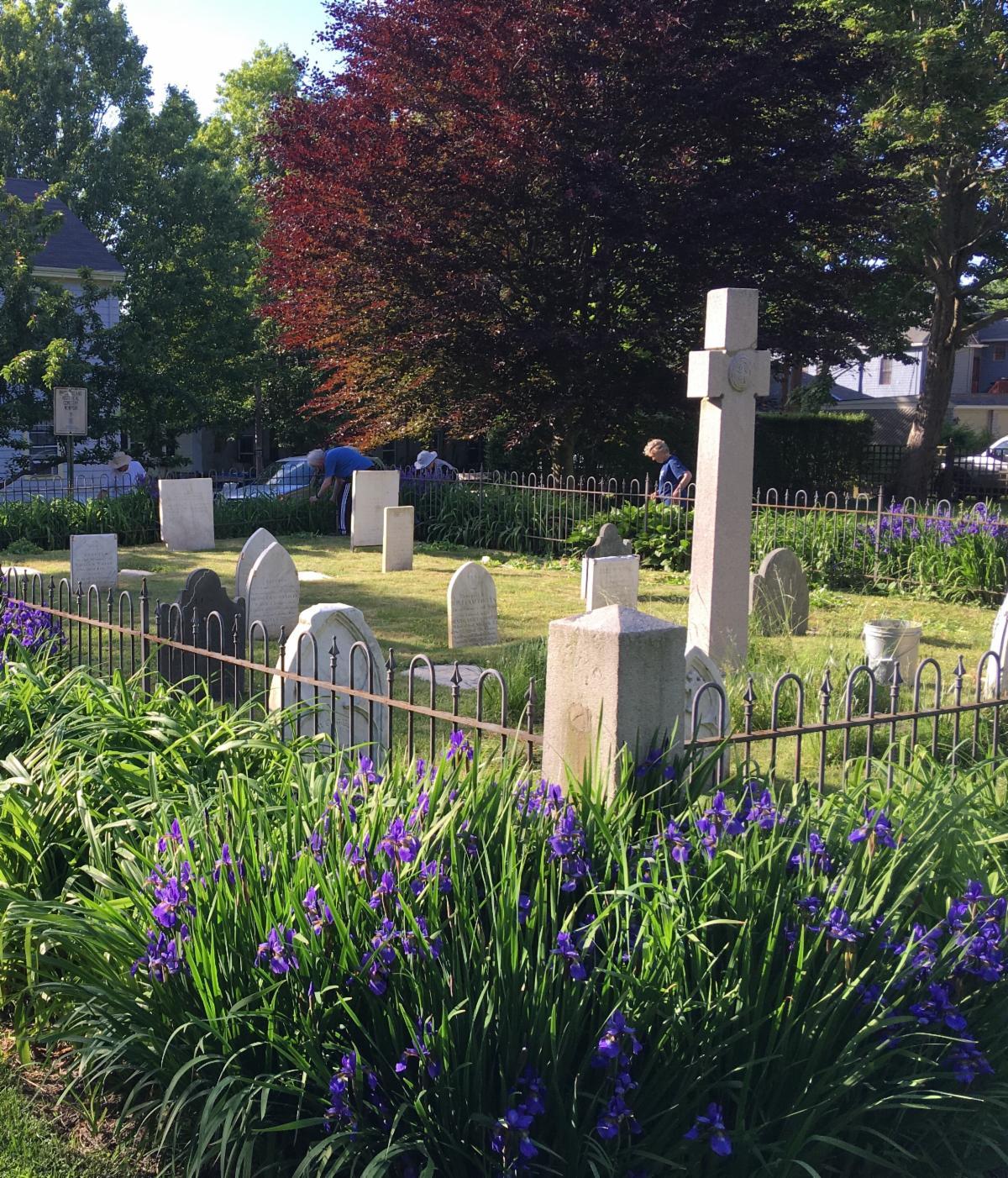 Cemetery volunteers Spring 2019_photo by Joan Galvin