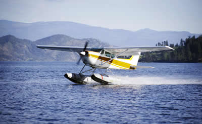 pontoon-plane-landing.jpg
