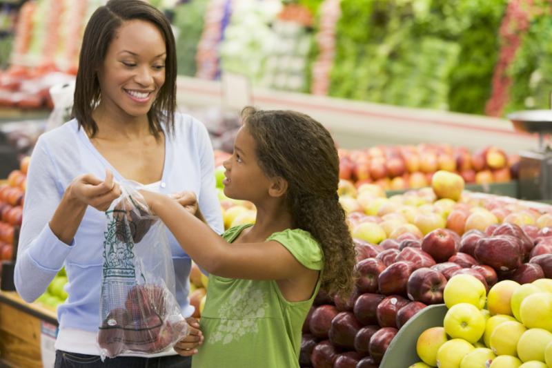child_buying_fruit.jpg