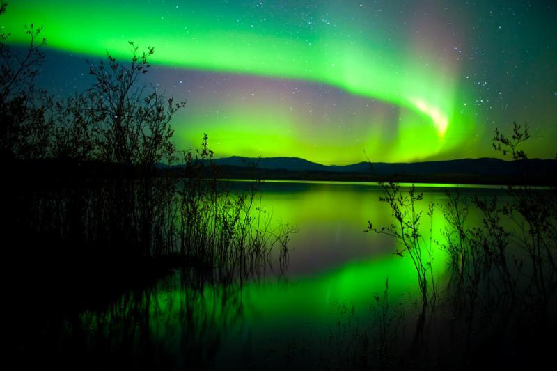 northern_lights_green.jpg