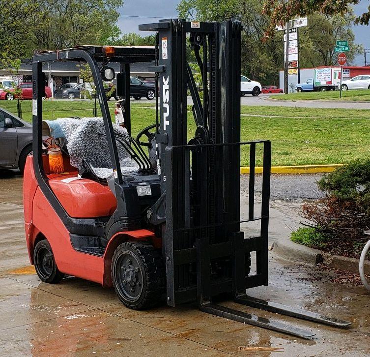 HarborFreightUtica-Forklift.jpg