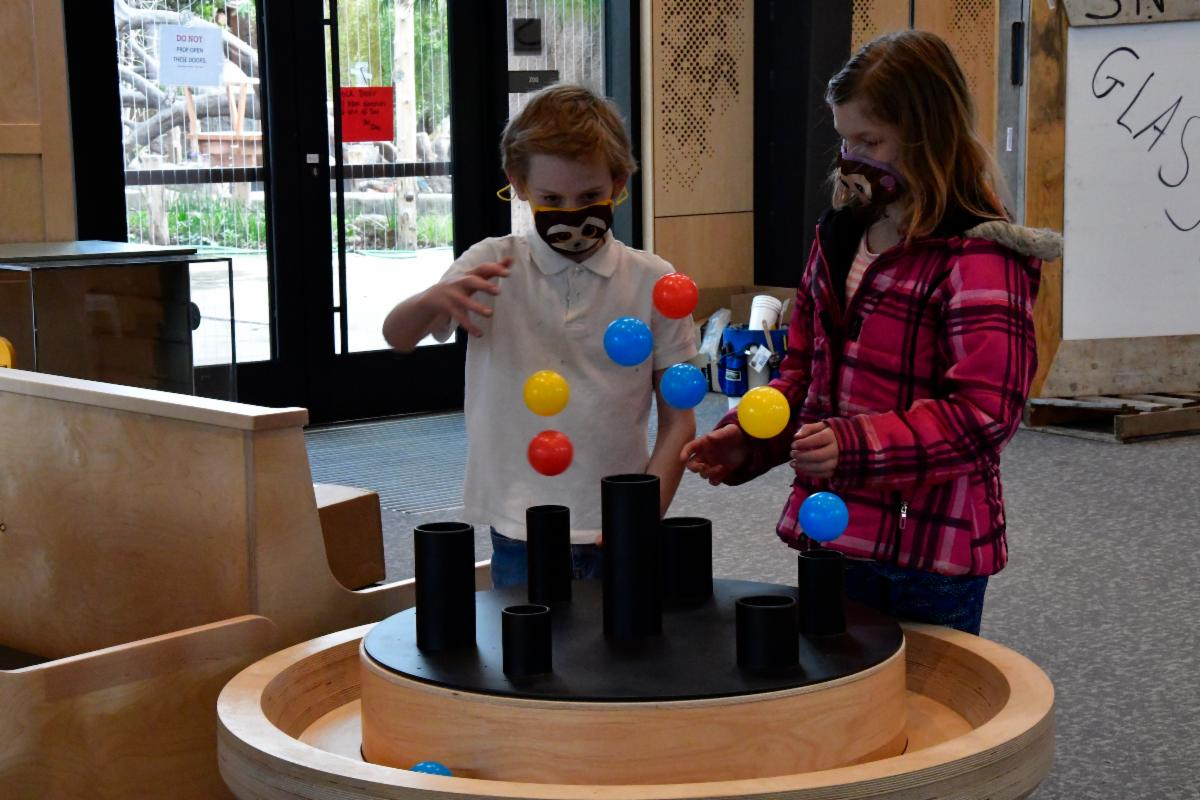 Young visitors play with the Junior Museum's exhibits.