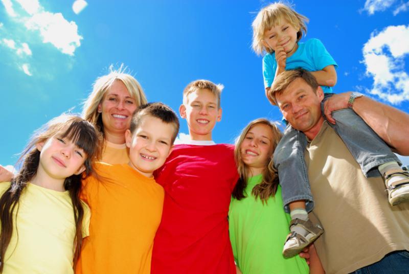 family_kids_many.jpg