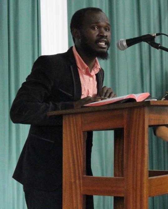 Stélio preaching