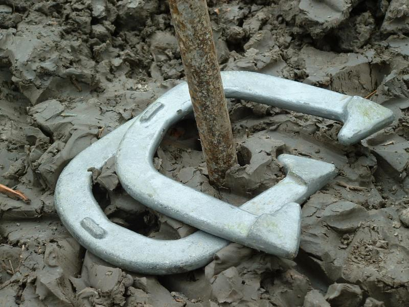 horseshoes in clay