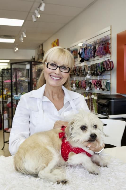 Would this woman offer a guarantee for your pet grooming service? Why, why not?