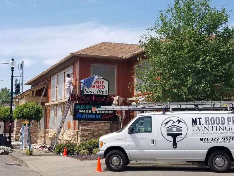 Mt Hood Painting and Rieglmann's Appliance Center - The Chamber Works!