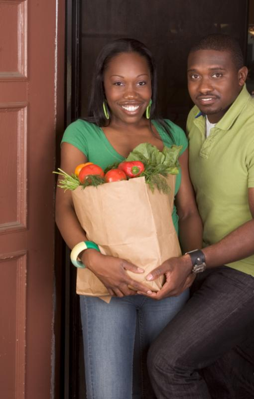 couple_with_groceries.jpg