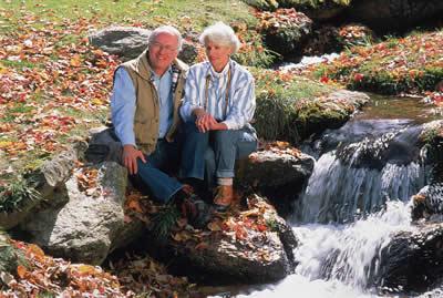 elder-couple-stream.jpg