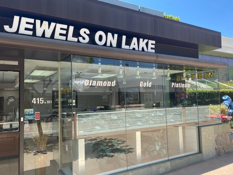 Jewels on Lake