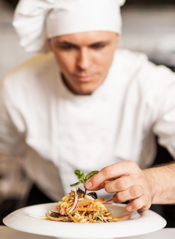 chef_decorating_pasta.jpg