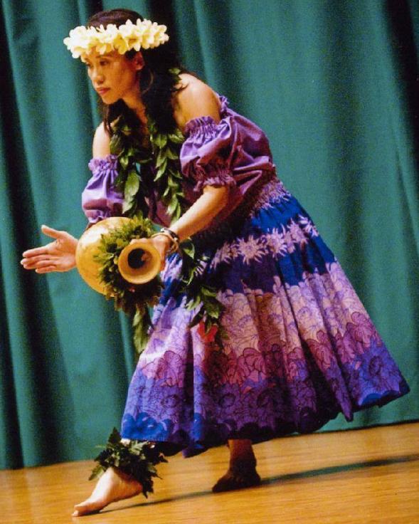 Dancer w Gourd