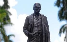 Flagler Statue