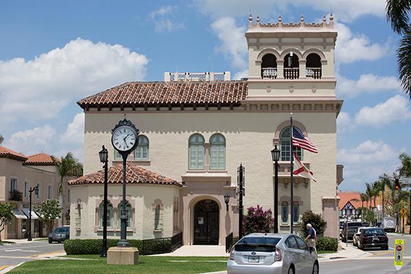 Palm Beach Town Hall