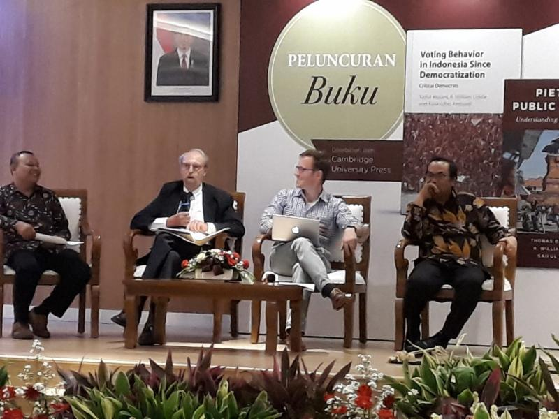 Bill Liddle at Jakarta book launch