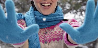 happy-winter-gloves.jpg