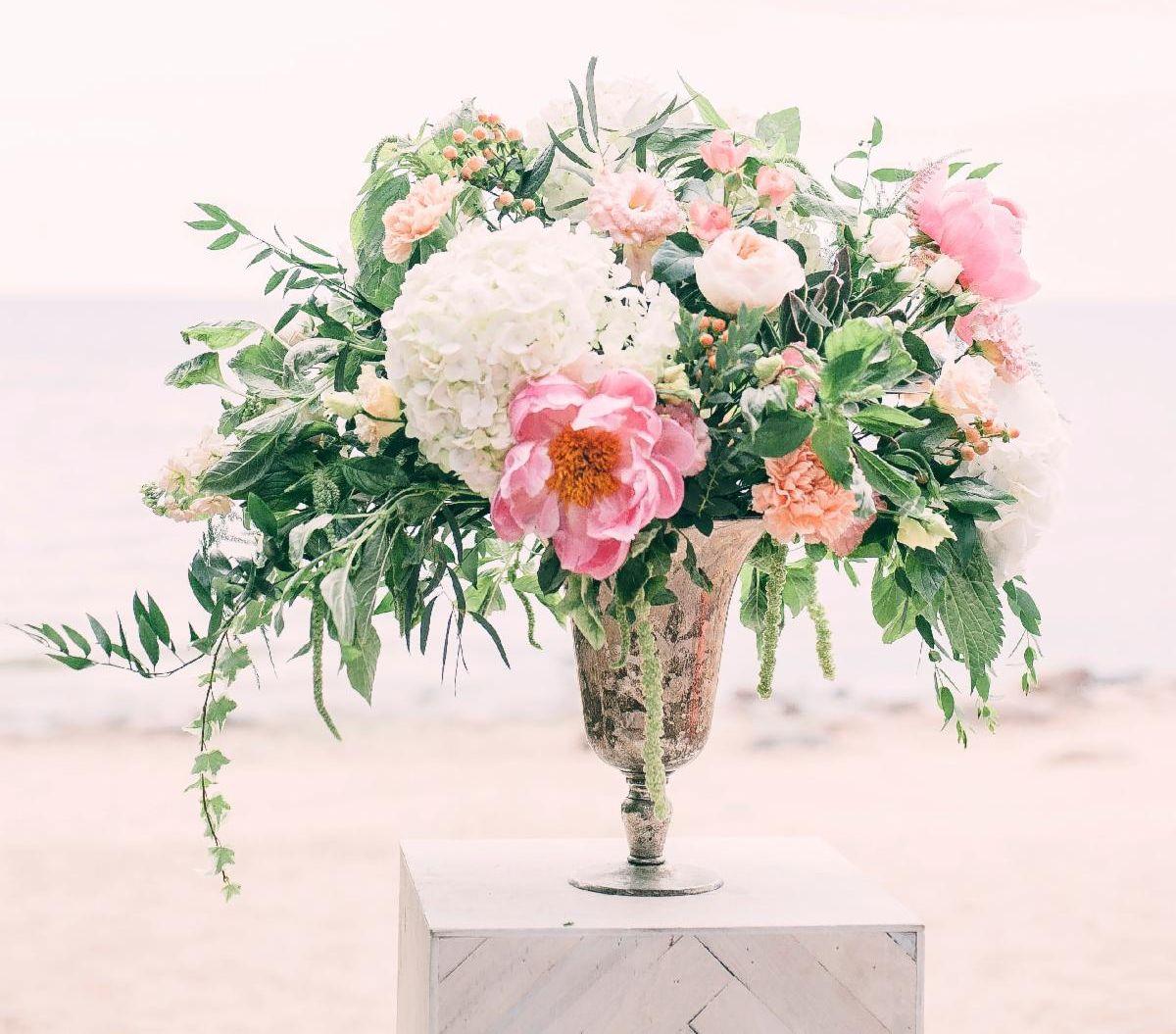 flower vase bouquet