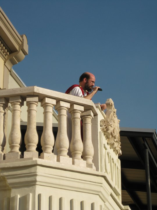 Baneath The Balconies Male Performer