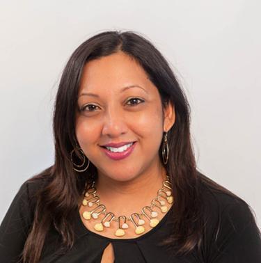 Headshot Photo of Suzette Ramsundar
