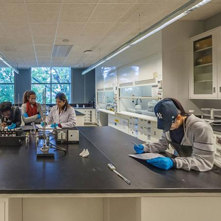 Linked Photo of Science Lab at Lehman College