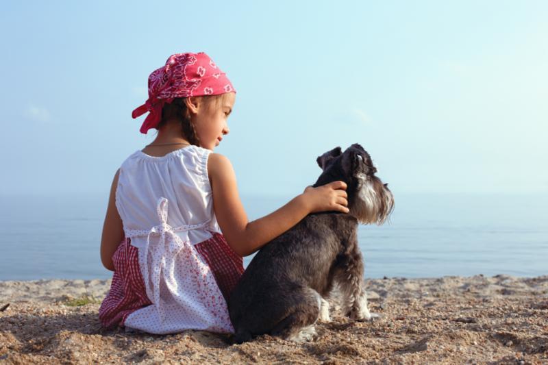 girl_dog_beach.jpg