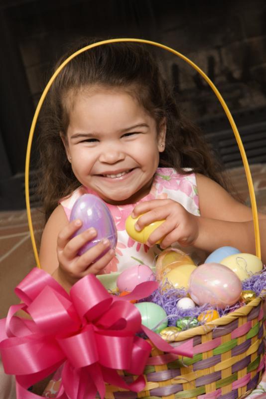 girl_holding_easter_eggs.jpg
