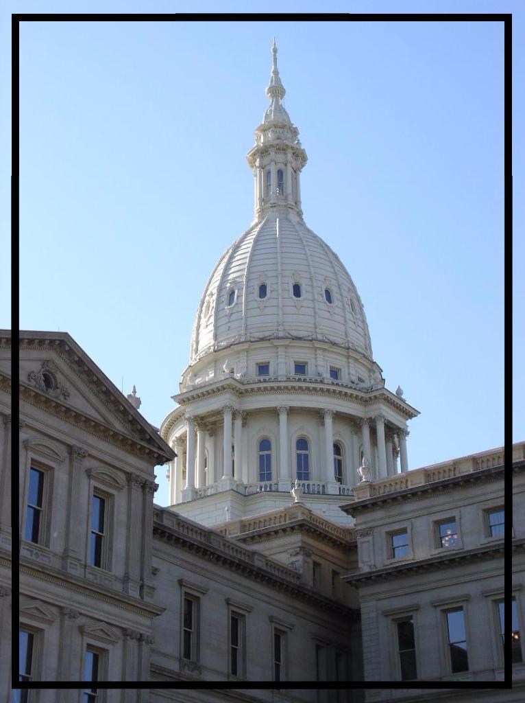 MI Capitol - Outside
