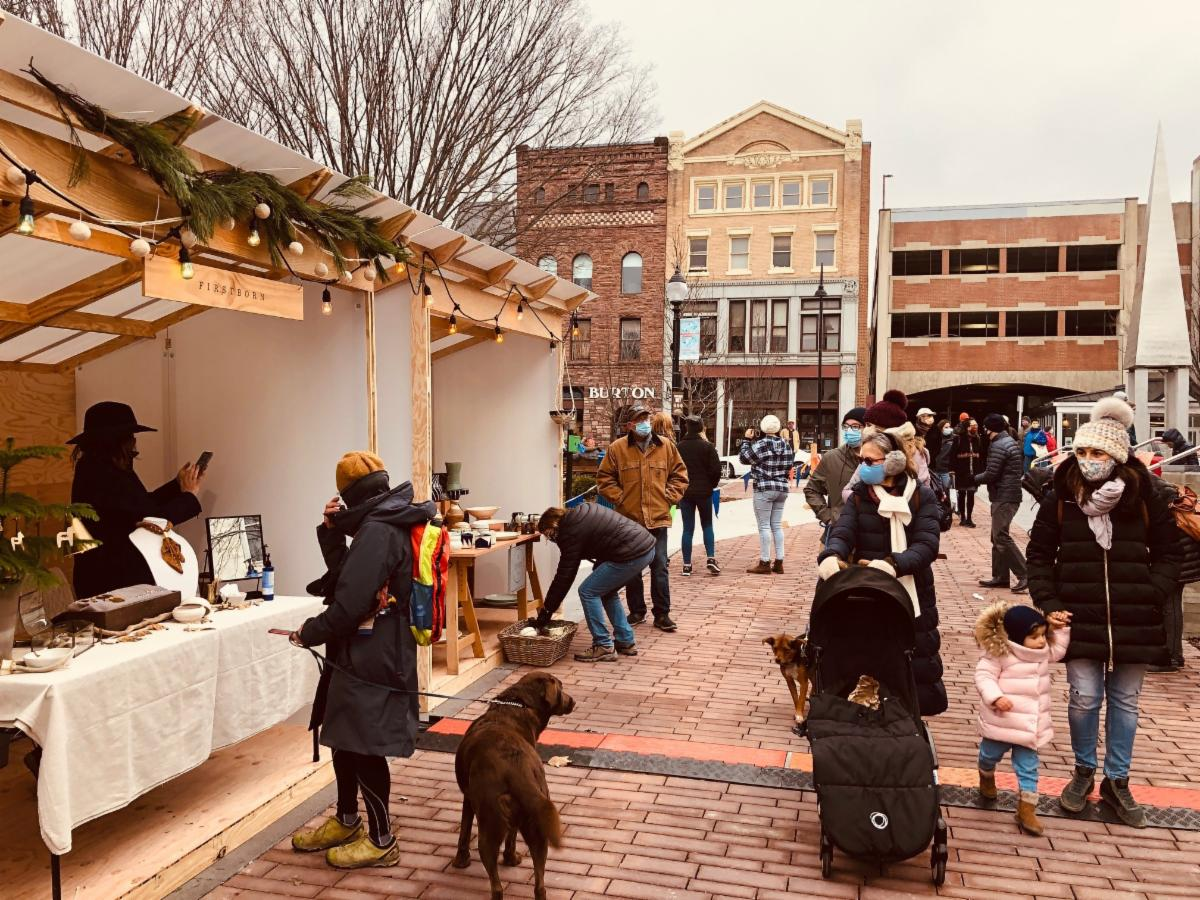 Masked shoppers at the 2020 outdoor Burlington holiday market