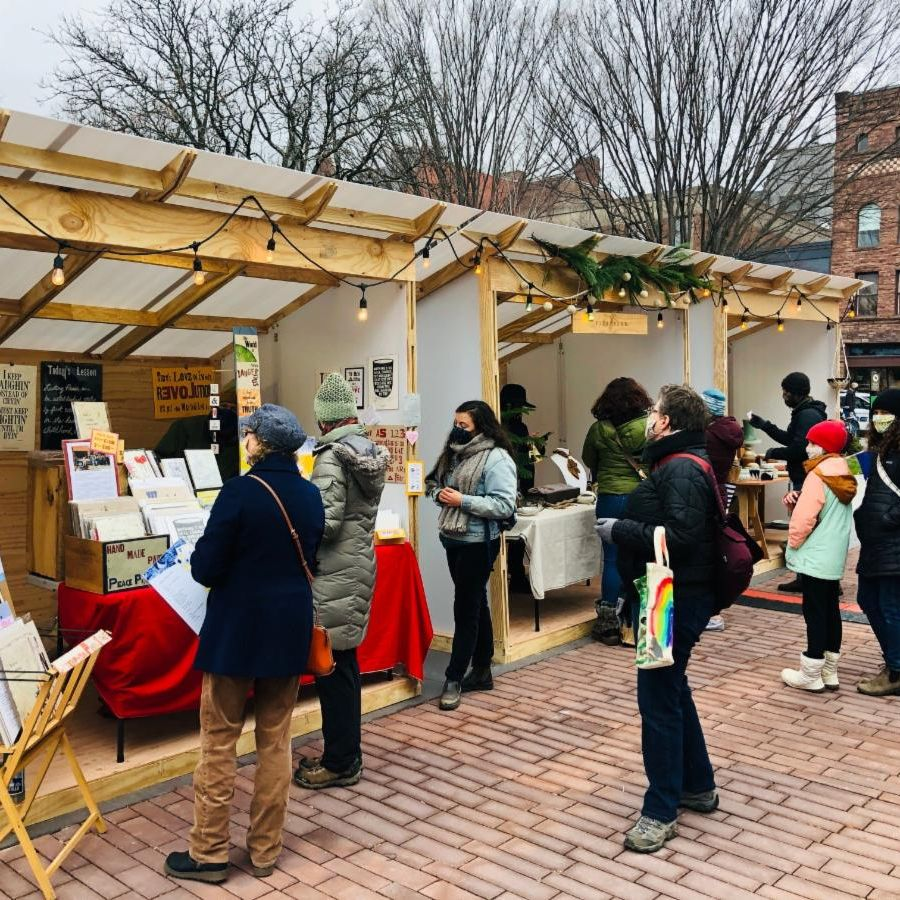 Burlington outdoor holiday market 2020