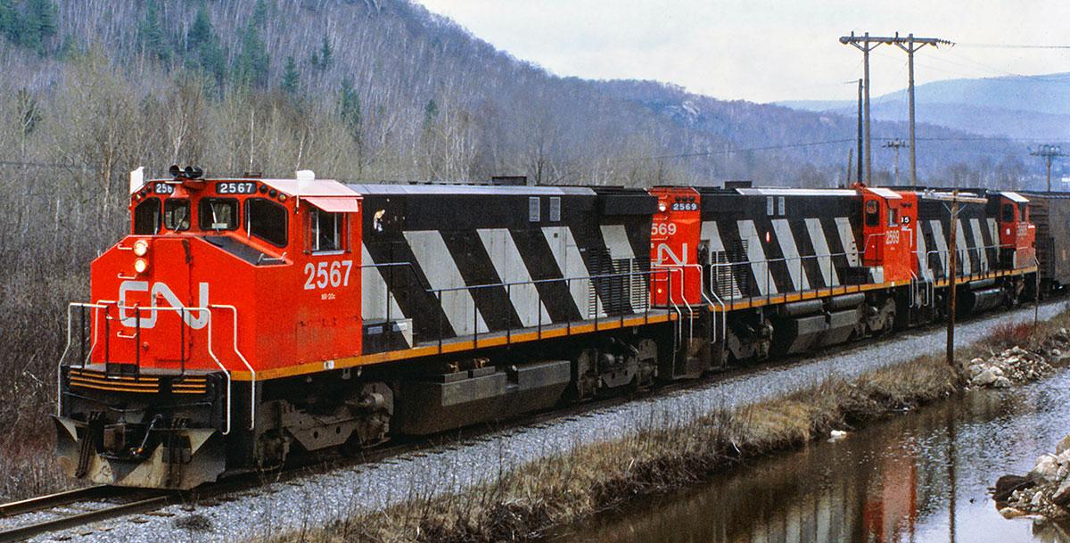 Rapido M420 Locomotive
