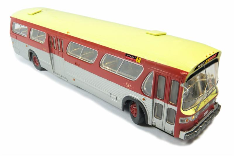 HO scale bus