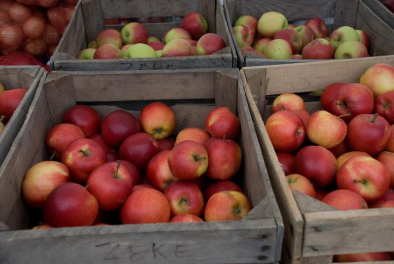 apples_in_boxes.jpg