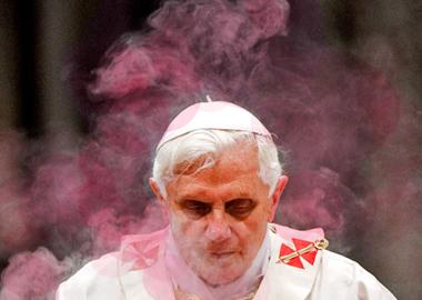 pinksmokepope