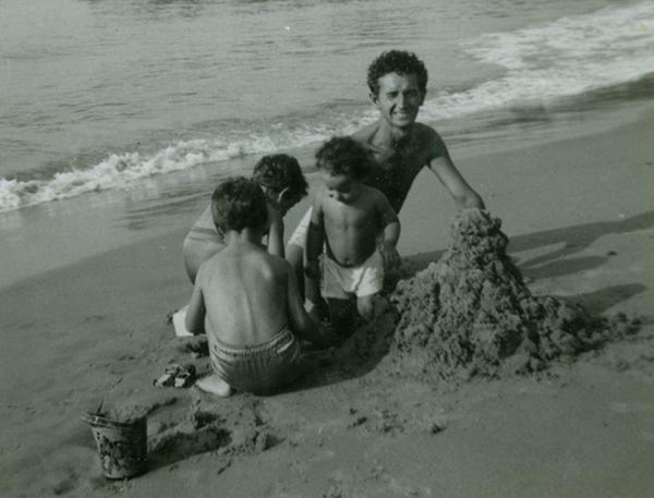 Guthrie family on CI beach