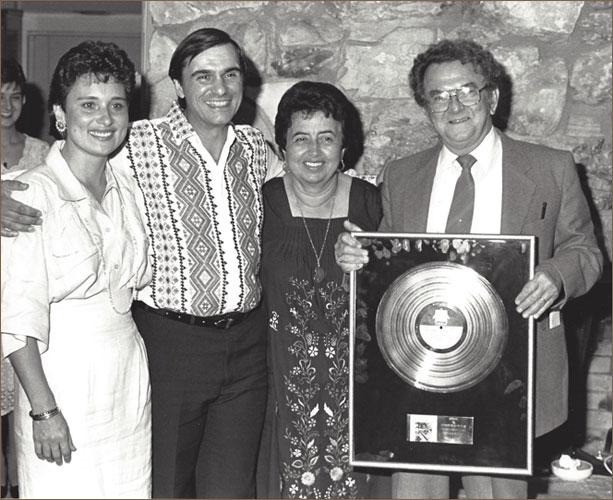 Alfredo Gold Record