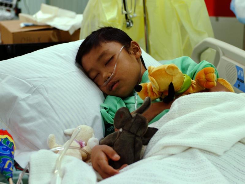 Jongen in ziekenhuis