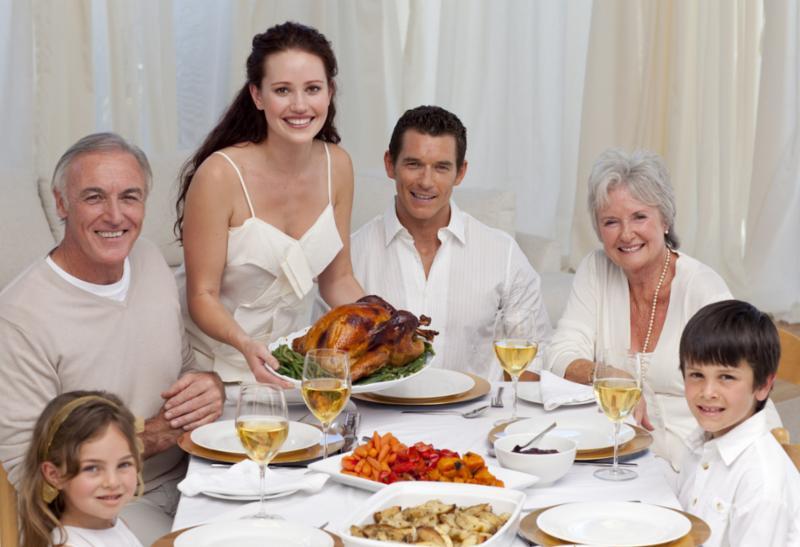family_turkey_dinner.jpg