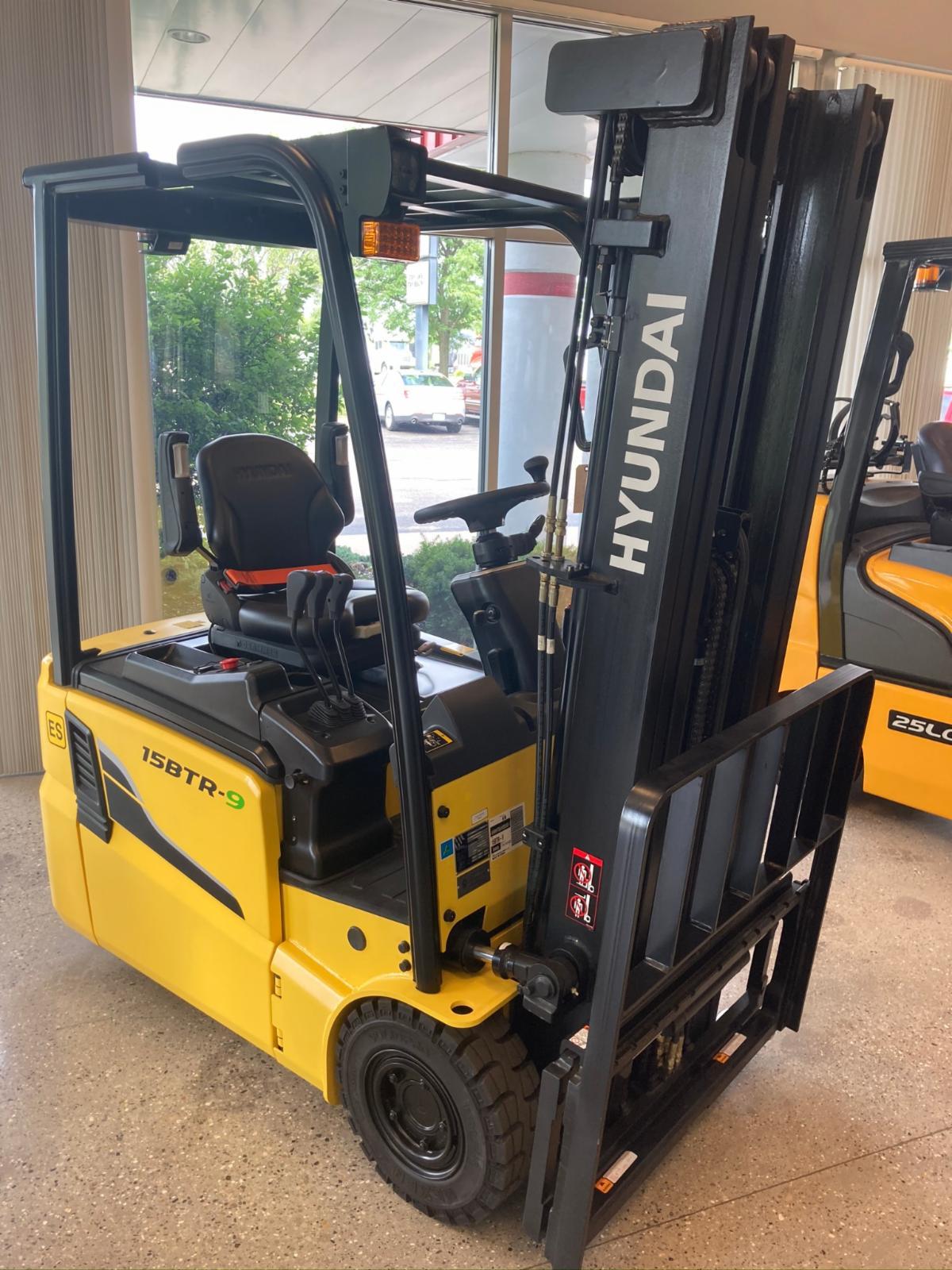 Hyundai 15BTR-9 Zero Turn Forklift
