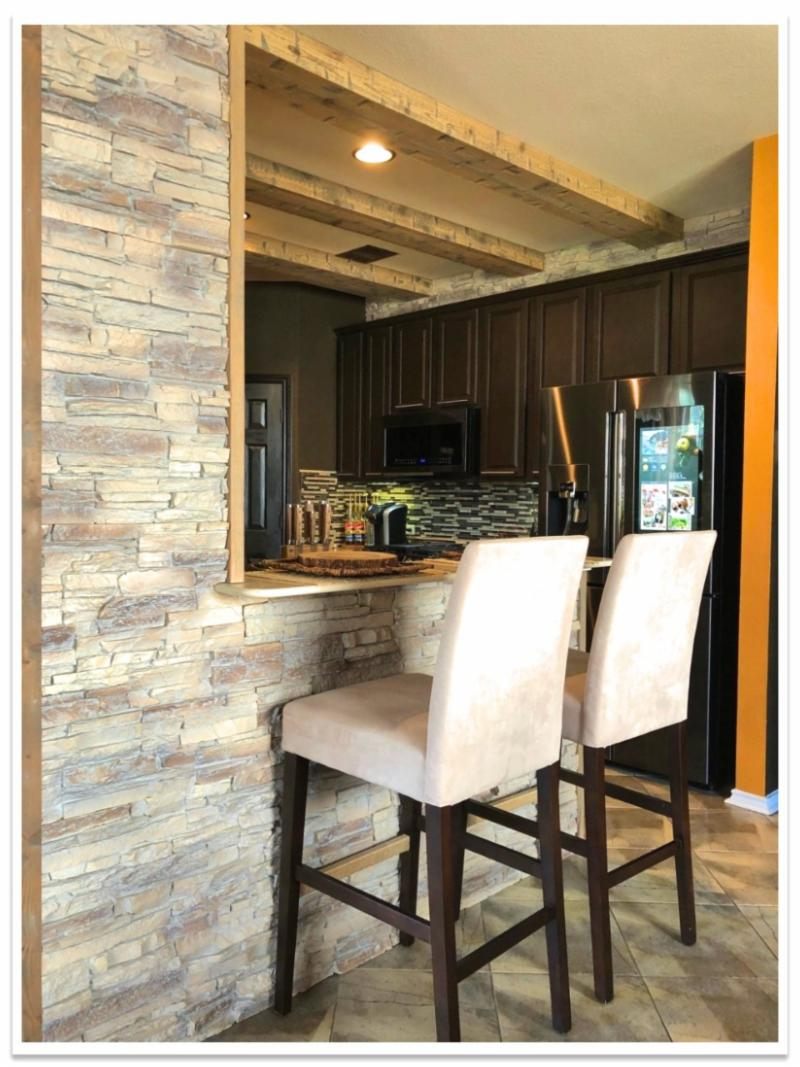 Kitchen bar with Norwich Stacked Stone