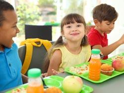kids-eating-school-lunches.jpg