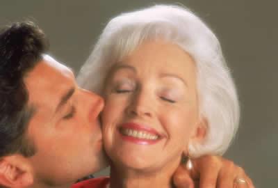 elder-woman-kiss.jpg