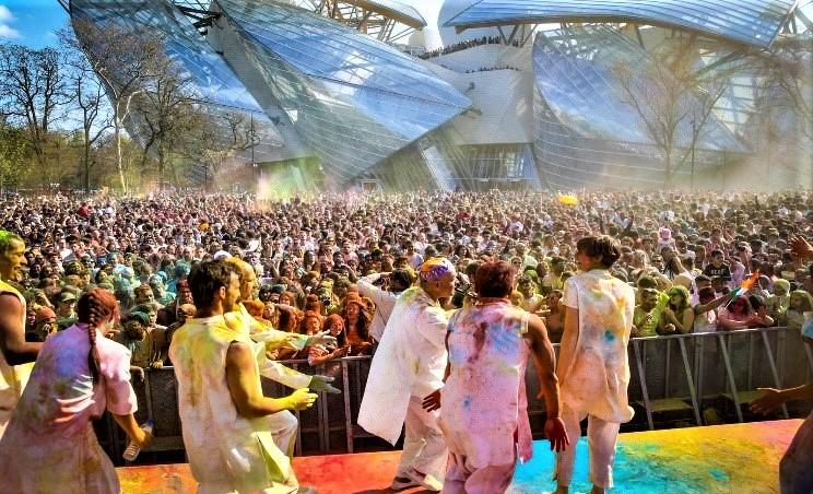 Holi in Paris - Spreading of Colours