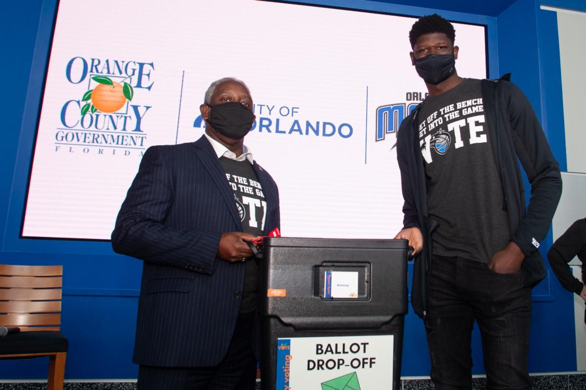 Mayor Demings and Orlando Magic player