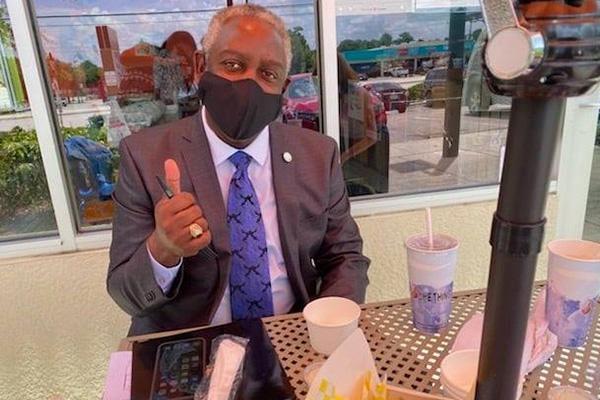 Facebook Post - Mayor Demings eating out