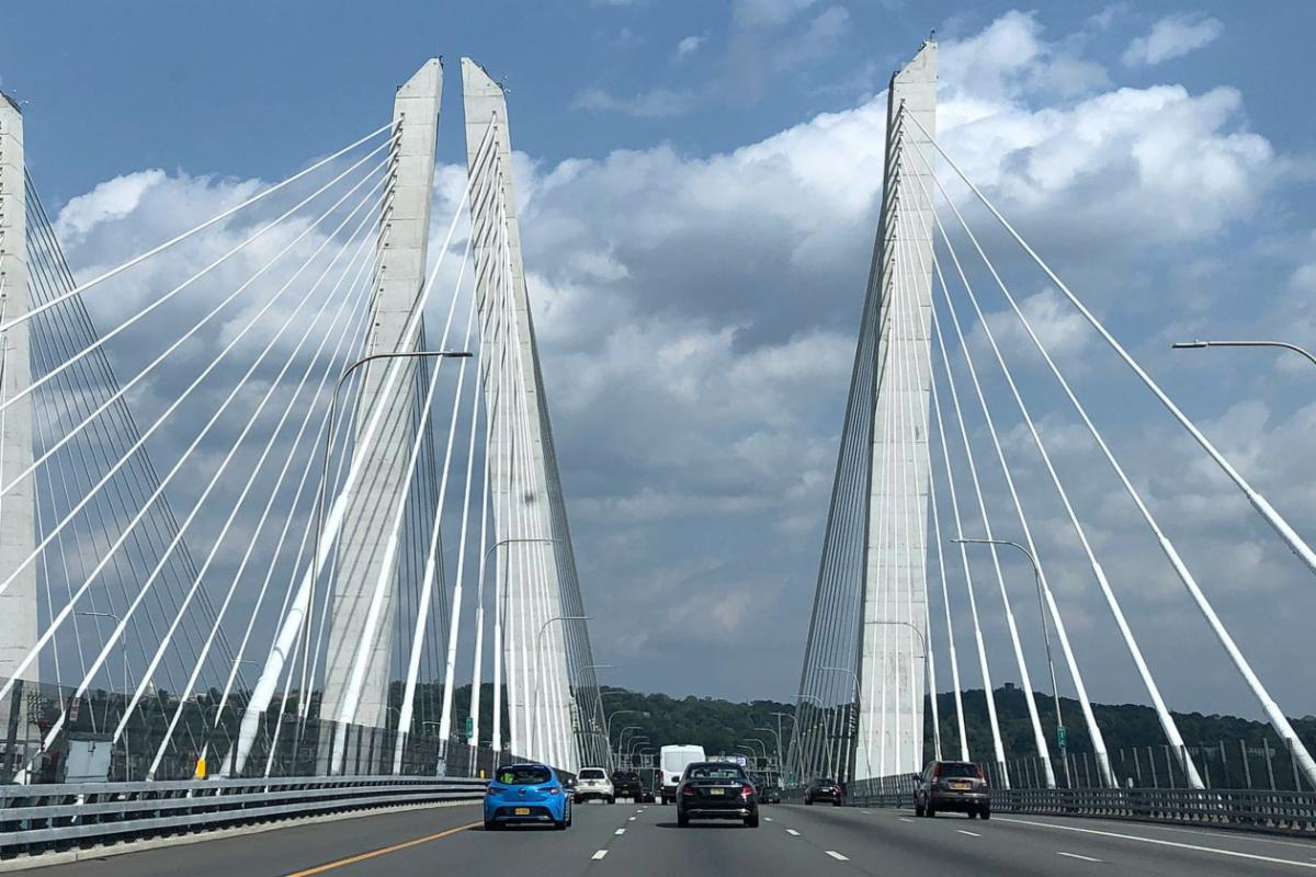 Cuomo Bridge in New York - large spires in suspension bridge